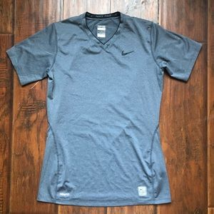 Nike Pro Fit Stretchy Top Athletic Shirt Fitted